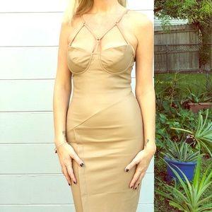 NWOT Nasty Gal quality nude dress w/built in bra💋